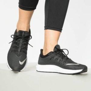迪卡侬打折区正在热卖中。耐克 QUEST 跑鞋 原价74.99欧 8折 现价59.99欧