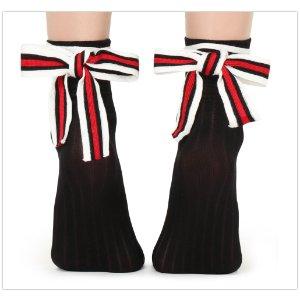 打底裤买3付2黑五价:Calzedonia 经典美袜 原价5.95欧,折后3.5欧