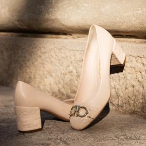 5折起 蝴蝶结芭蕾鞋£300收Salvatore Ferragamo 菲拉格慕精选美鞋美包大促