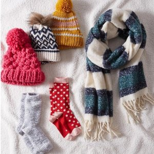 50% offWomen cold weather accessories sale @ Abercrombie & Fitch