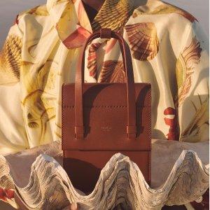 5折起+叠8折 正价8.5折独家:Oroton 澳洲人气品牌 首饰 腋下包、托特包$161