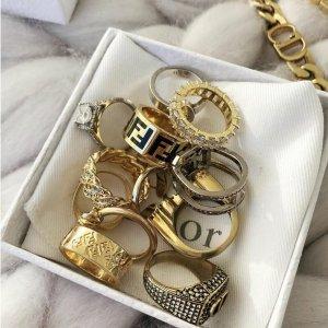 低至3折 滴血珍珠耳环$111SSENSE 大牌首饰精选 Dior、Ambush、Palm angels项链$117