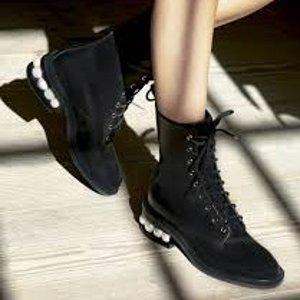 低至5折+额外7折 £178收高跟鞋Nicholas Kirkwood 惊喜折扣上线 最美珍珠鞋 穿起来