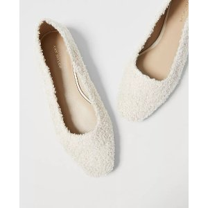 Ann Taylor毛毛平底鞋