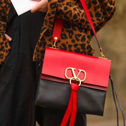 低至5折+额外9折Valentino 超美V字系列包包热卖 唐嫣、信惠欧尼同款收不停