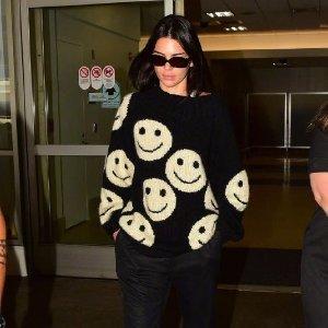 满额8.5折 换季时髦度不减Marc Jacobs美衣热卖 跟肯豆一起穿笑脸毛衣