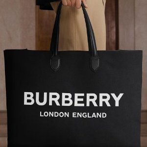 低至5折 半年一次不能错过!Burberry官网 年中大促 风衣,Logo上衣,包包全都有!