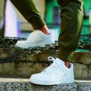 低至5折 €47收小白鞋Nike 运动鞋、潮服闪促 收面包服、Air Max、小白鞋等