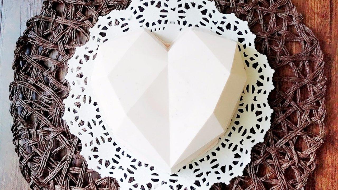 网红蛋糕30分钟搞定:甜点也是爱你的形状(钻石心型乳酪慕斯)