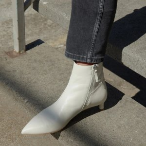 Everlane 猫跟踝靴