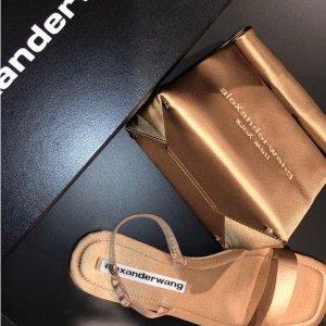 新人9折上新:Moda Operandi 春夏时尚热卖,A王新款凉鞋$175