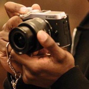 $599.99(原价$1149.99)Canon EOS M6 + EF-M 15-45mm f/3.5-6.3 入门相机套装