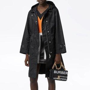 Burberry印花外套