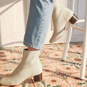 秋日里温暖的优雅 首次下单免邮Everlane 新款针织袜子靴抢鲜热卖