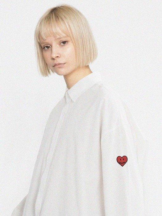 爱心白衬衫
