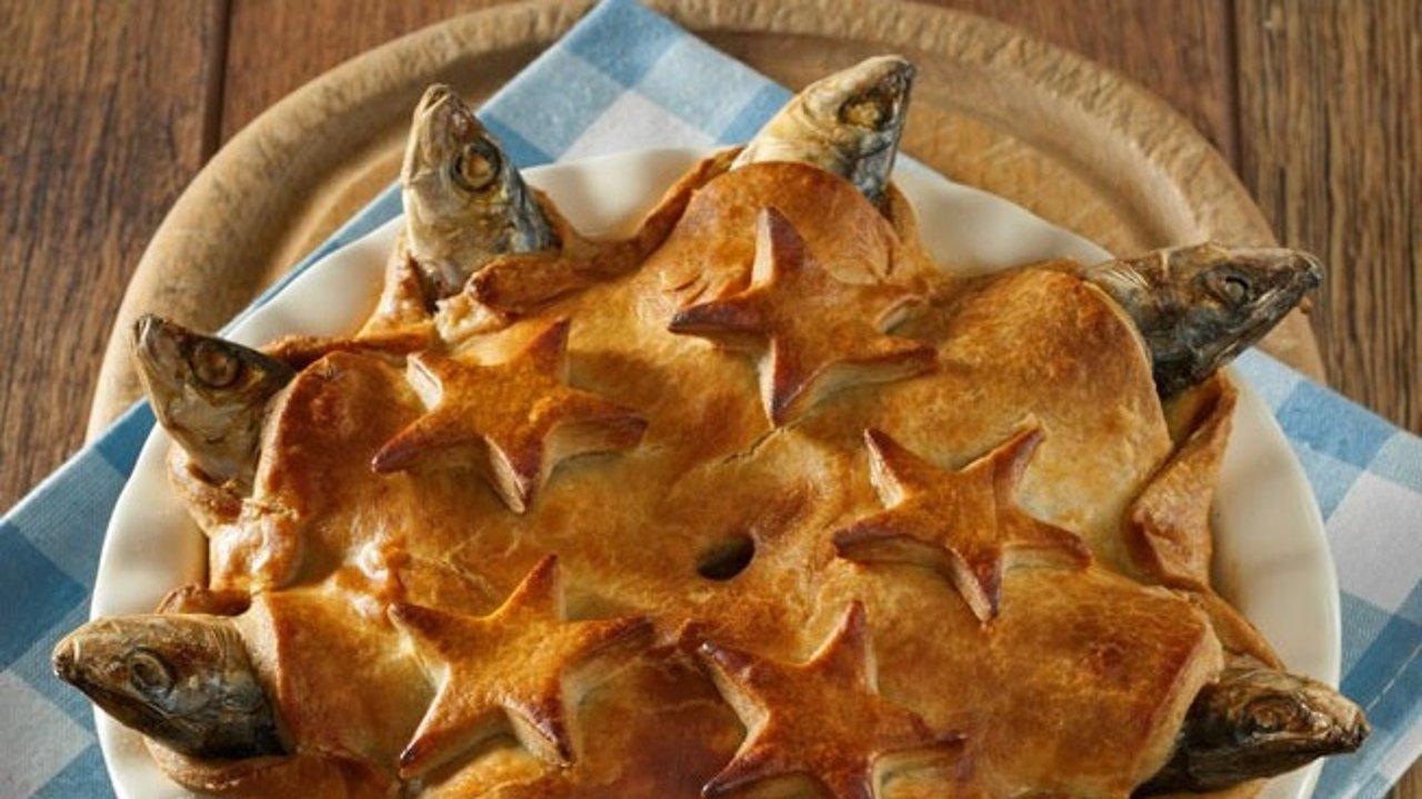英国仰望星空派 | 以文艺之名刷新三观的著名英国黑料Stargazy pie食谱制作方法大揭秘!