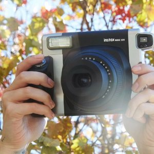 $75(原价$130)+免邮即将截止:Urban Outfitters 精选富士拍立得相机热卖