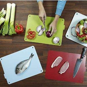 现价£55(原价£80)Joseph Joseph 分类组合菜板+刀具厨房套装