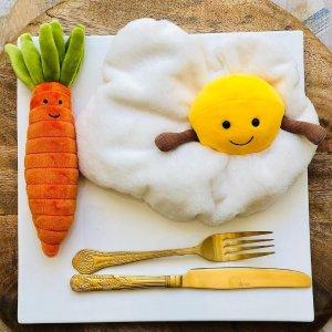 上新!$24收封面同款煎鸡蛋Jellycat 敲柔软的兔子 给你柔软的世界 融化你的心
