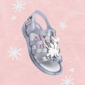 低至5折+最高额外8折折扣升级:Mini Melissa 女童鞋上新款,童趣十足超可爱