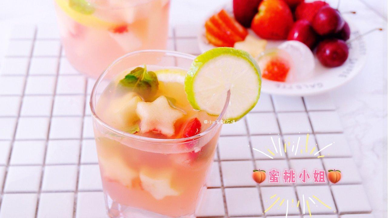 蜜桃小姐你好! 粉嫩嫩的水蜜桃苏打