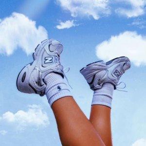 5折起+额外9折 淡粉247$54New Balance官网 球鞋专场 复古鞋款327、574 韩系穿搭神器