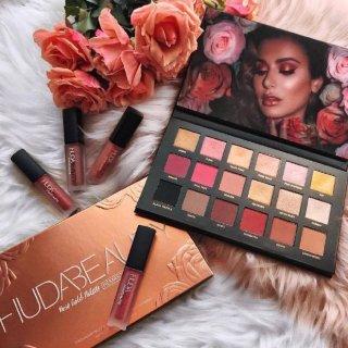 满减£9 变相9.1折+1件直邮中国最后一天:Huda Beauty 美妆精选,裸色18色眼影盘¥443可收