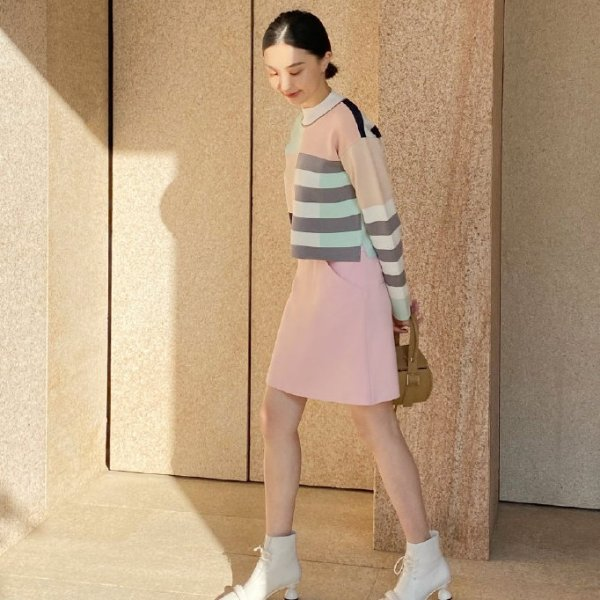 樱花粉短裙