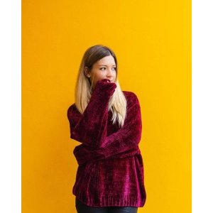 Monki红丝绒卫衣