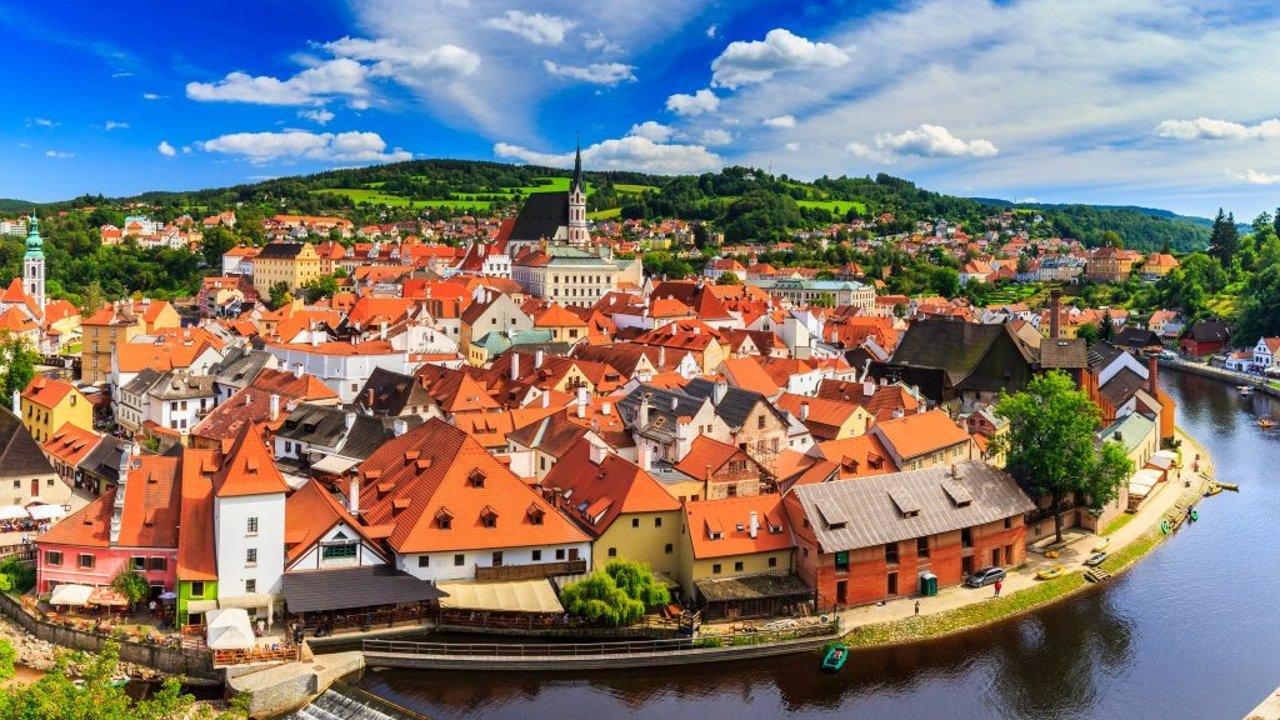 什么? 这个叫做CK的捷克小镇比布拉格还要美! 红遍全球的中世纪童话之城大起底