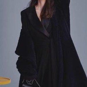 5折起 短款针织开衫€12511.11预热:Max Mara 副线全场大促 好价收秋冬必备款大衣等