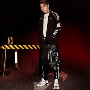 你也可以穿的大童款只要£69.95上新:Adidas Nite Jogger 童鞋上新 王嘉尔杨幂同款