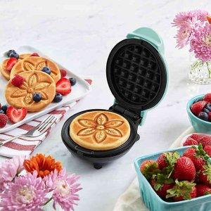 7折起 华夫饼机$14.99Dash 高性价比貌美厨电热卖 迷你早餐机$14.99 爆米花机$24.99