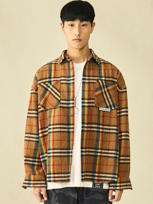 彩虹条纹外套