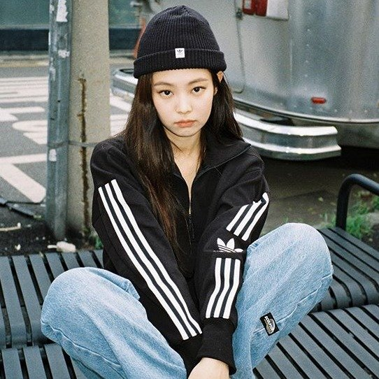 Jennie同款夹克