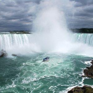 $82起    瀑布景观房$110起加拿大尼亚加拉瀑布皇冠假日酒店 超好观景位置