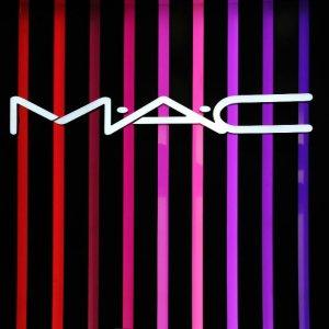 全场7.5折 年度好折扣回归MAC Cosmetics官网 全场美妆大促 收樱花系列 Powder Kiss