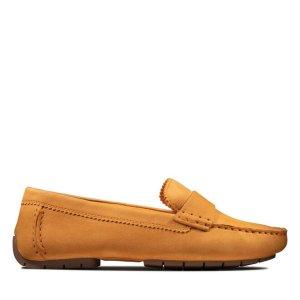 Clarks姜黄色平底鞋