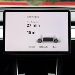 1000英里/小时的充电速度Tesla V3 SuperCharging 超高速充电桩上线