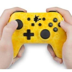 Nintendo Switch 皮卡丘游戏手柄直接半价