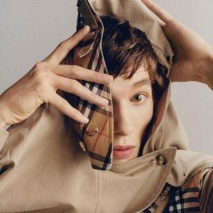 低至5折+满额8折 £179凑单收粉色Logo上衣Burberry 精选美衣美包折扣热卖 Logo卫衣,Tote包都有