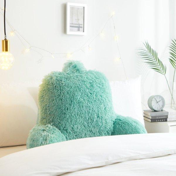 薄荷绿长绒靠枕
