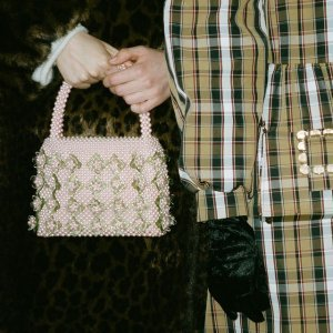 8折!爆款珍珠包€351 珍珠发夹€70Shrimps 仙女必备珍珠包 少女心满满 春夏凹造型利器