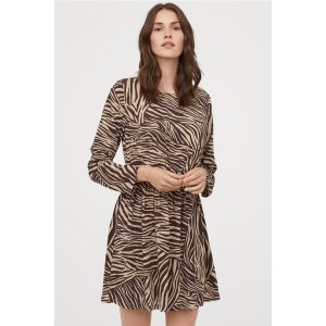 H&M条纹连衣裙