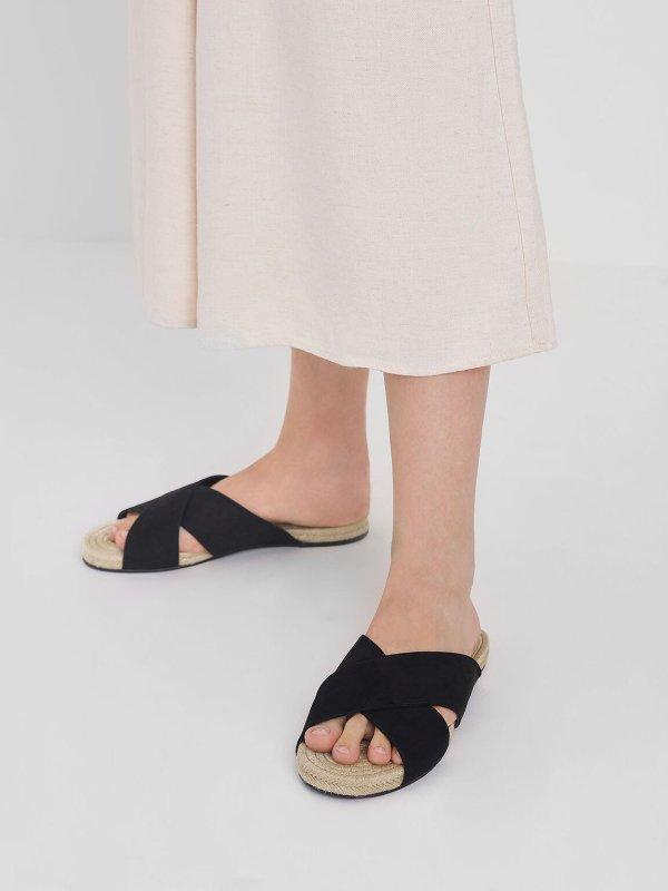 黑色交叉带拖鞋