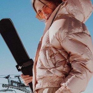 低至5折 UGG蝴蝶结雪地靴$100+Mytheresa 精选滑雪装备、冬季外套等促销,笑脸围巾参加