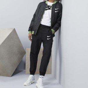 低至5折+额外7.5折 £31收双钩运动裤Nike爆款 Swoosh大钩双钩系列热卖 卫衣、运动裤 快冲鸭