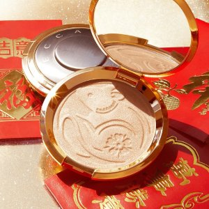 30% Off + Free ShippingDealmoon Exclusive: Becca Lunar New Year Pressed Highighter