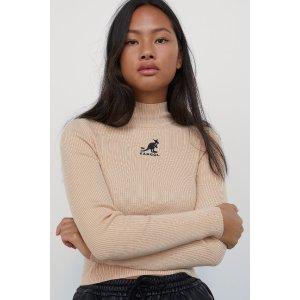 H&M米色半高领针织上衣