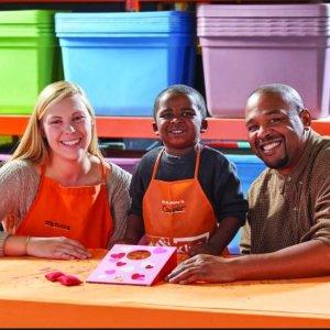制作情人节投掷板玩具2月The Home Depot 免费的儿童手工作坊活动